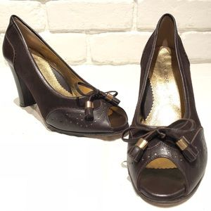 Taryn Rose peep toe all Leather Italian pumps SZ 7